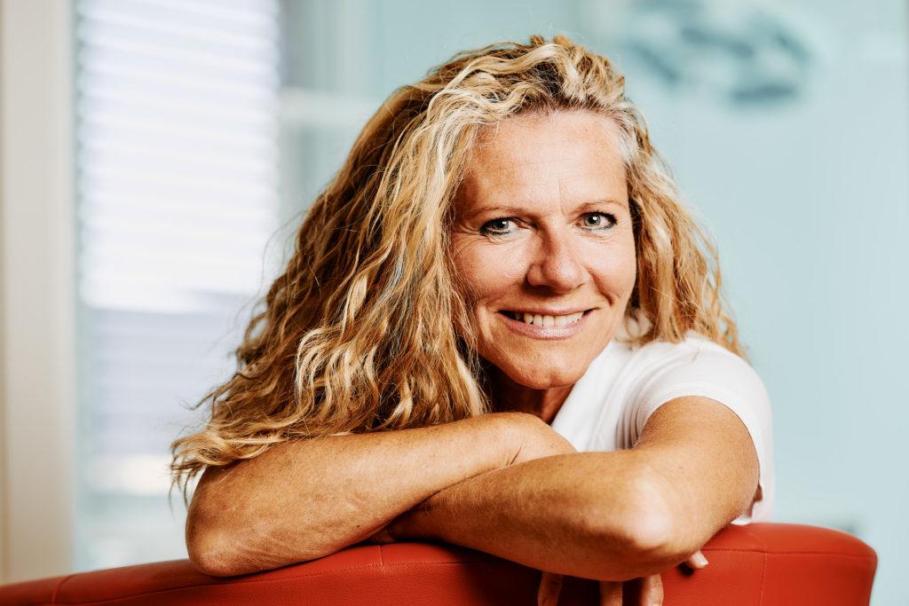 Renate Brett-Baumert, Zahnärztin